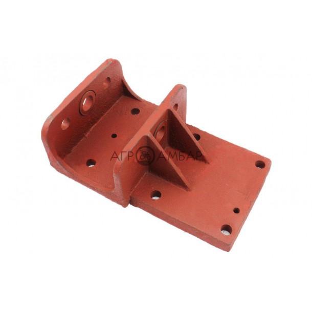 Крышка задняя корпуса КПП 81-1 (Старого образца) (R175/R180/R190/R195)